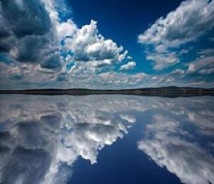 nuvole_riflesse_nellacqua